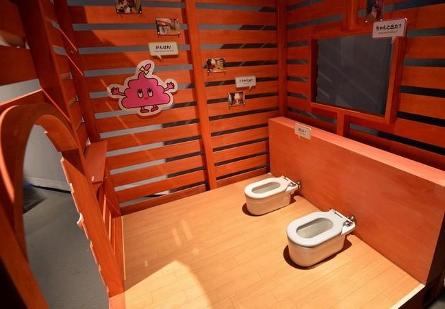 trien-lam-toilet-nhat-ban3