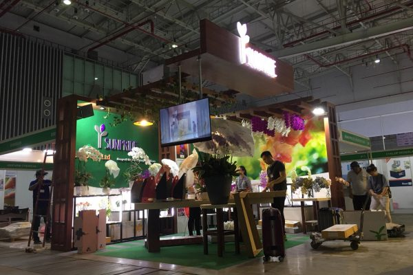 thiết kế và thi công gian hàng hội chợ triển lãm