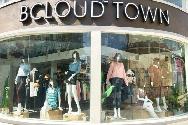 thiết kế showroom quần áo thời trang